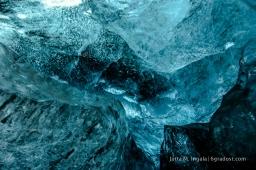 20, 30 Meter dick ist die Decke der Eishöhle
