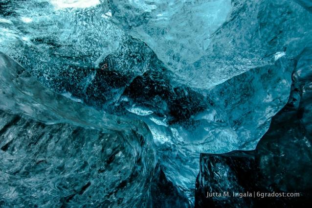 10, 15 Meter dick ist die Decke der Eishöhle