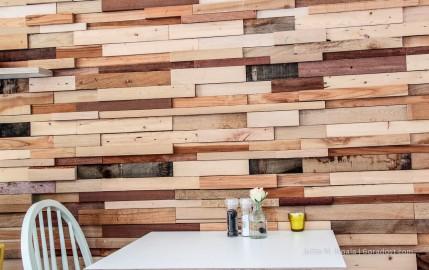 Treibholz als Wanddekoration