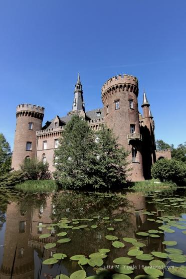 Erstmals 1347 urkundlich erwähnt: Schloss Moyland