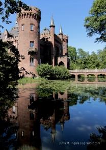 Spiegelbild im Schlossgraben