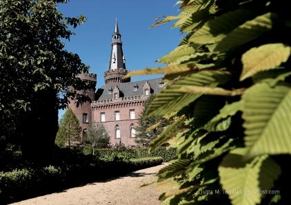 Im Blickpunkt: neugotisches Wasserschloss