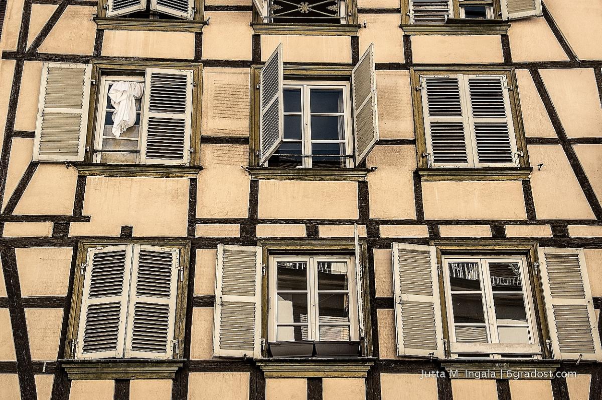 Hinter Verschlossenen Fenstern