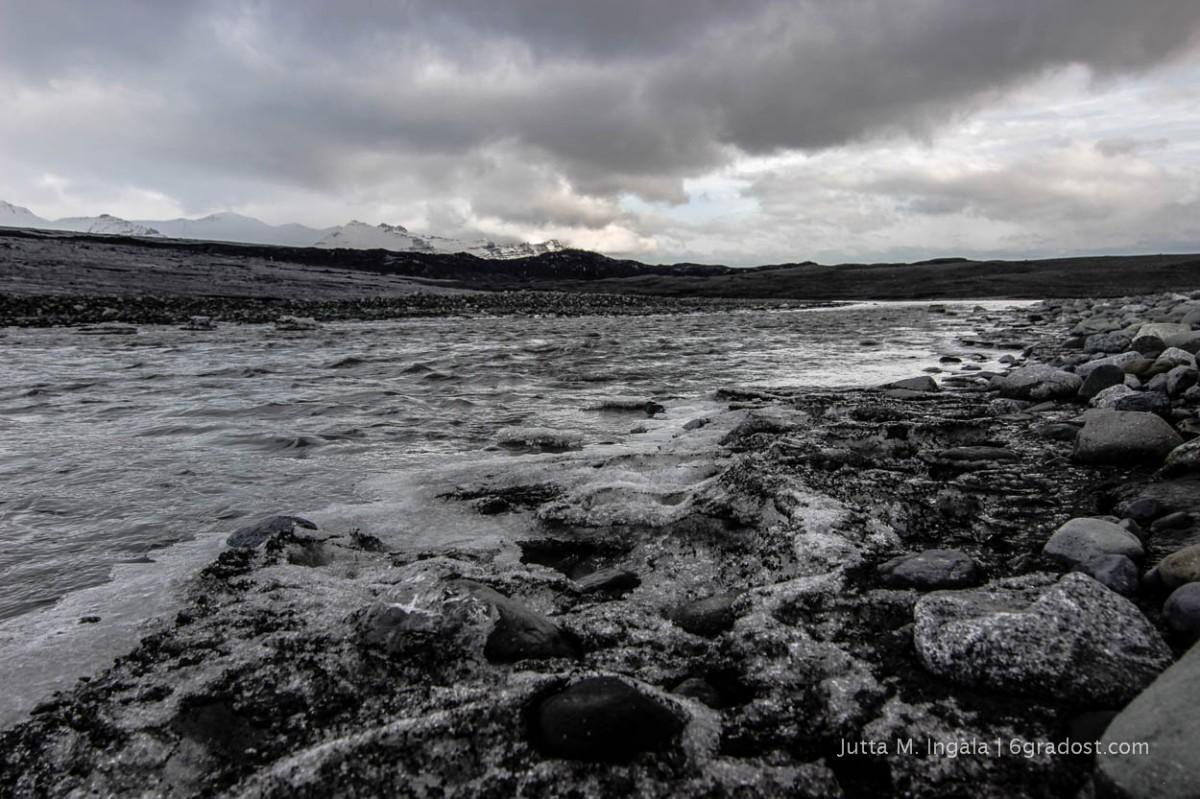 Schmelzwasser aus dem Gletscher
