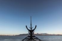 Sólfar - Sun Voyager an der Hafenpromenade