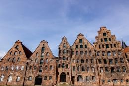 Mittelalterliche Salzspeicher an der Trave