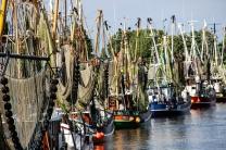 Malerischer Hafen von Greetsiel