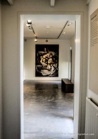Blick in den Pavillon mit Werken von Dave de Leeuw