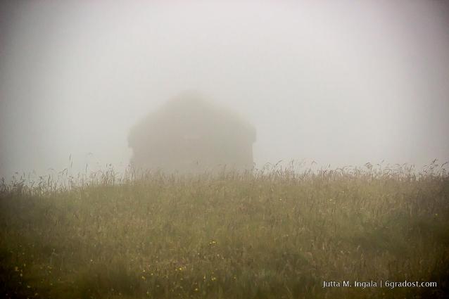 Hjallur im Nebel