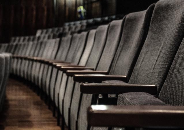 Sitzreihen, die sich in Bochum immer füllen