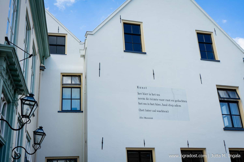 Mauergedicht der einstigen Stadtdichterin Elke Mannink